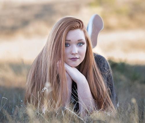 redhead-1996288_1280
