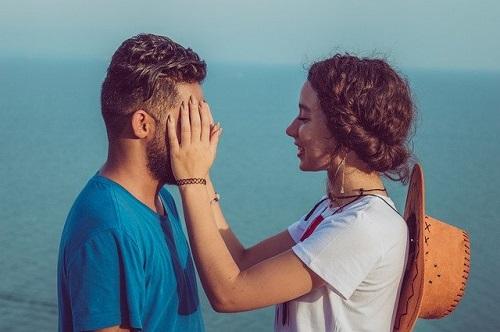 couple-4704250_640